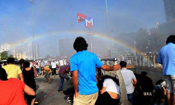 Crackdown, water canons and rainbow at Istanbul Gay Pride march