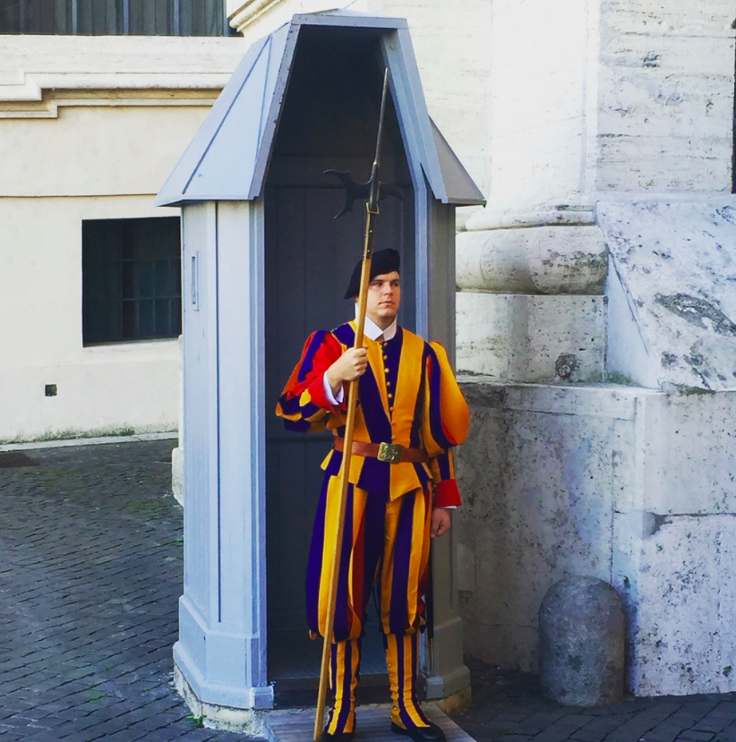 Swiss Guard at Vatican City, the Pope's U.S. visit, ManAboutWorld gay travel magazine