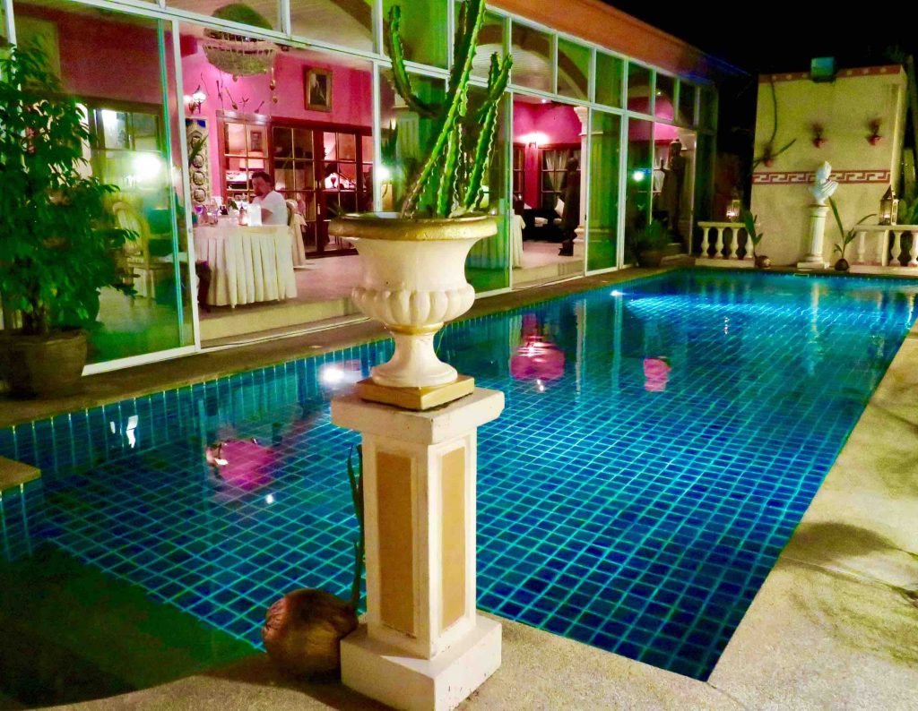 Restaurant Royale Nam Tok in gay Phuket, Thailand and in ManAboutWorld gay travel magazine