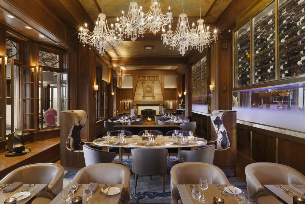 CheckOut: Hotel Frotenac, Quebec in ManAboutWorld gay travel magazine